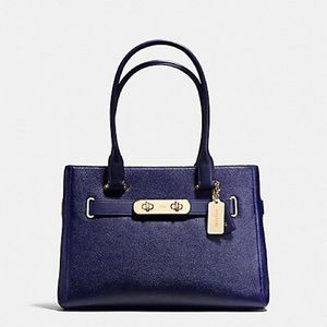 EUC - COACH SWAGGER CARRYALL IN PEBBLE LEATHER